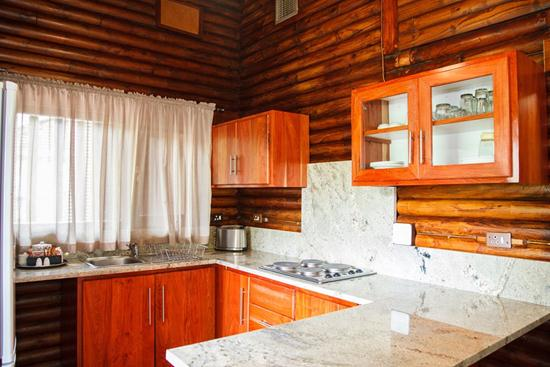 Loskopdam, A Forever Resort: 2-Sleeper Log Cabin. 1 bedroom (1 double bed)
